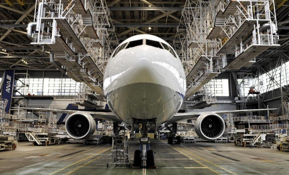 Boeing's record Emirates deal pads lead on Airbus