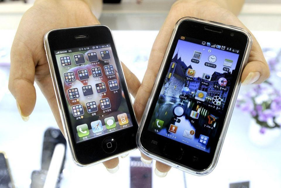 Is the Gulf's love affair with the smartphone waning?