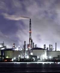 Brent climbs above US$98 on Iran tensions, Norway strike