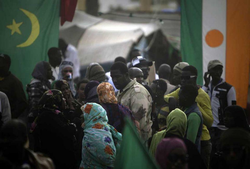 Nato bombing strikes target Gaddafi's Tripoli compound
