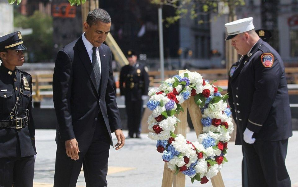 US president pays poignant visit to Ground Zero