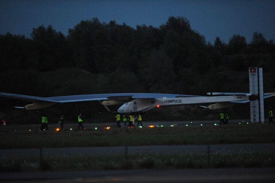 Solar-energy plane makes first international flight