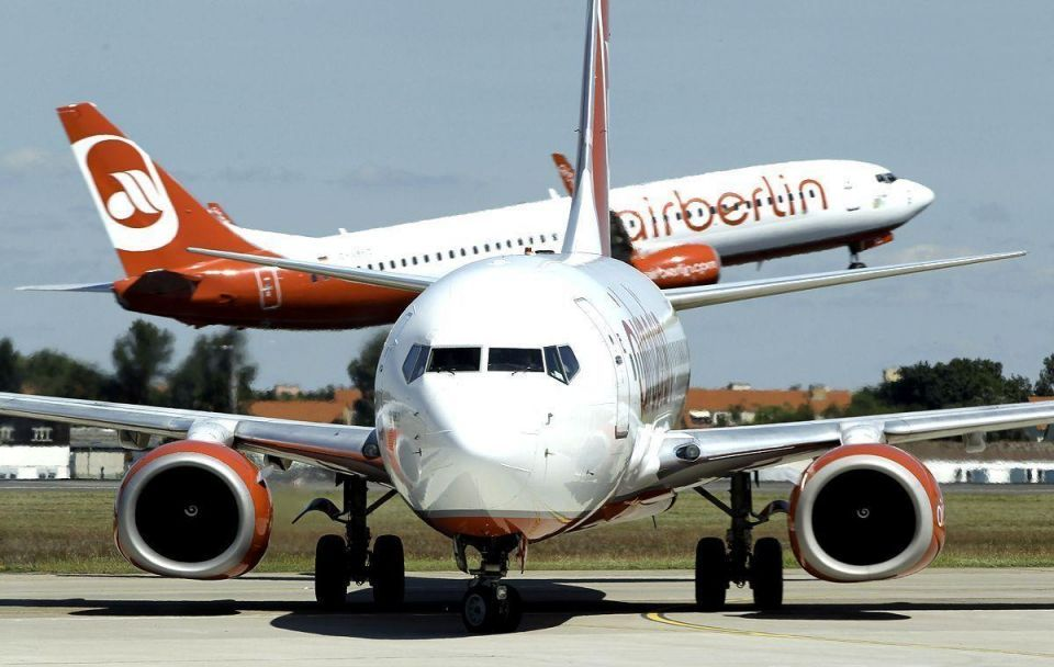Debt-laden Air Berlin searches globe for investor
