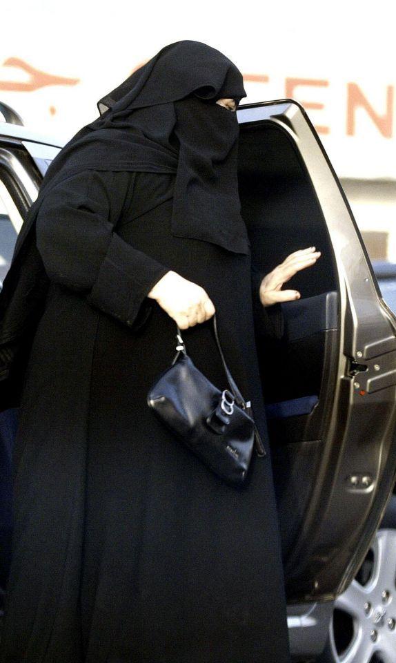 Saudi female driver released into father's custody