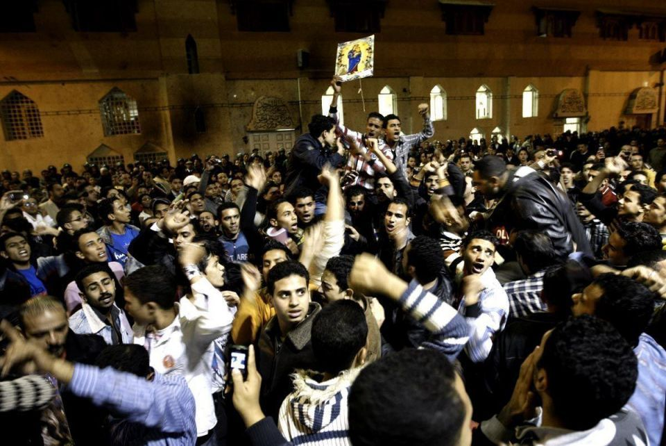 Muslims rush to restore torched Egypt church