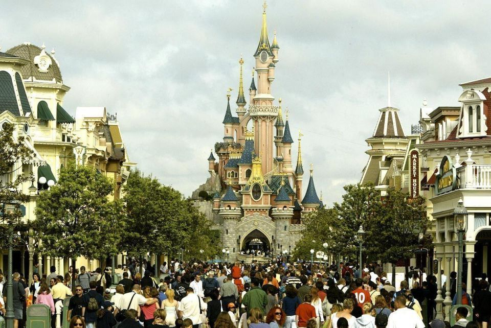 Alwaleed's Disneyland Paris signs deal to boost Gulf visitors