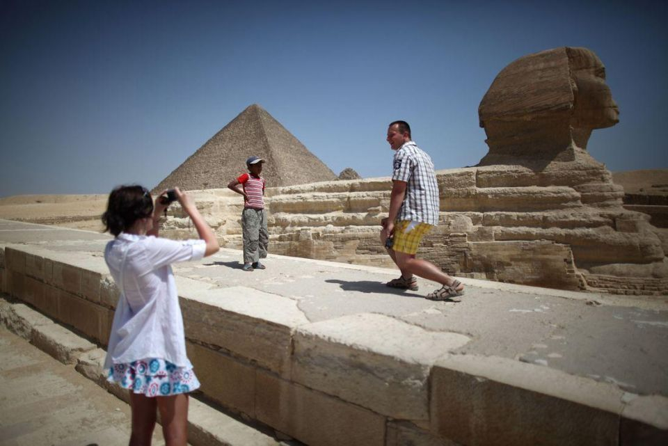 Middle East tourism arrivals set to drop 6% in 2011