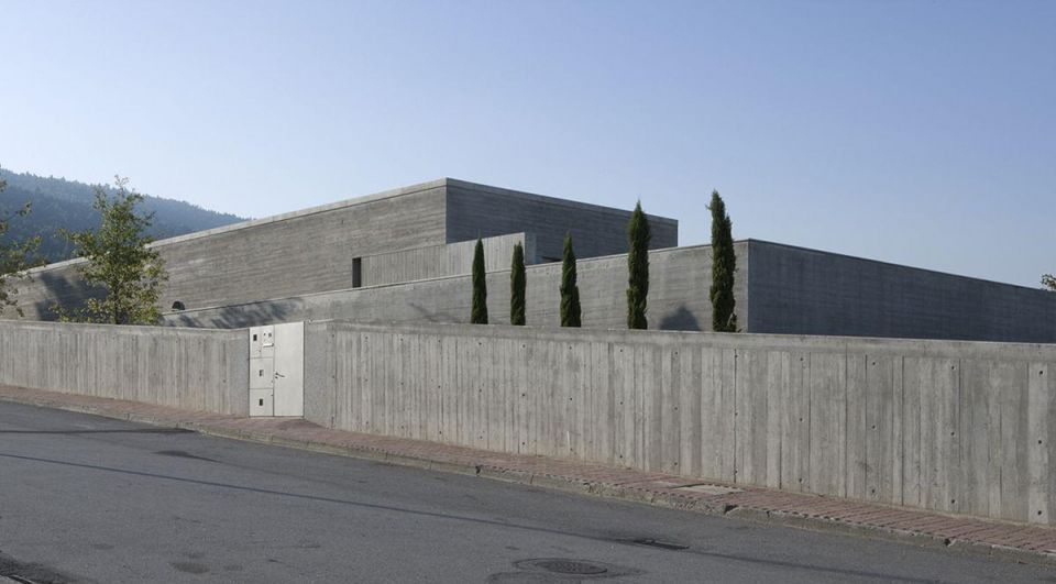 Meet this year's Pritzker Architecture Prize winner