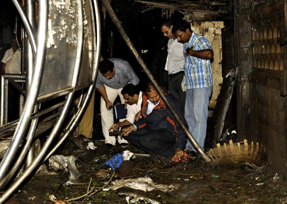 Bomb blasts rock India's financial and entertainment capital