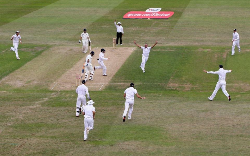 Ruthless England humiliates India in second test