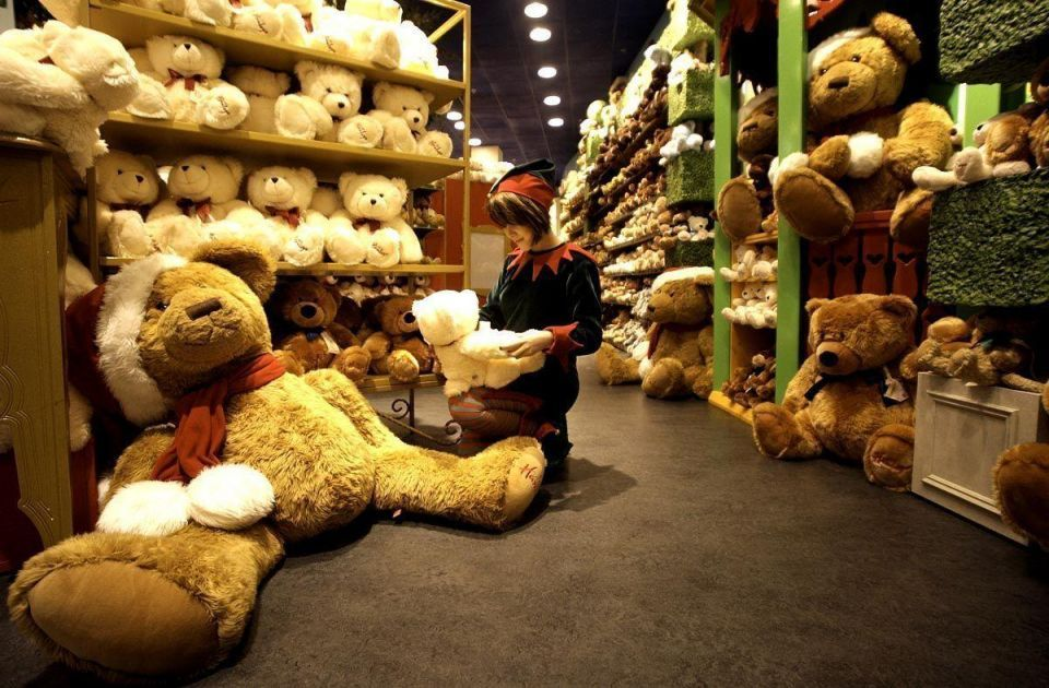 Hamleys eyes trio of toy store openings across Gulf