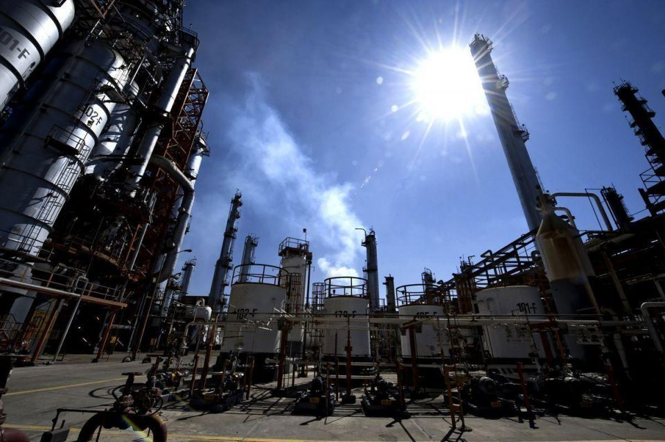Egypt sees arrears owed to oil firms rise to $3bn at end-2015