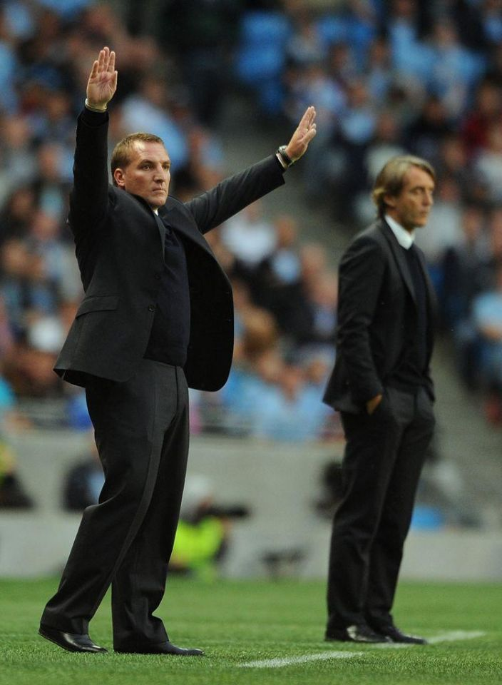 Debutante Aguero dazzles as Man City crush Swansea
