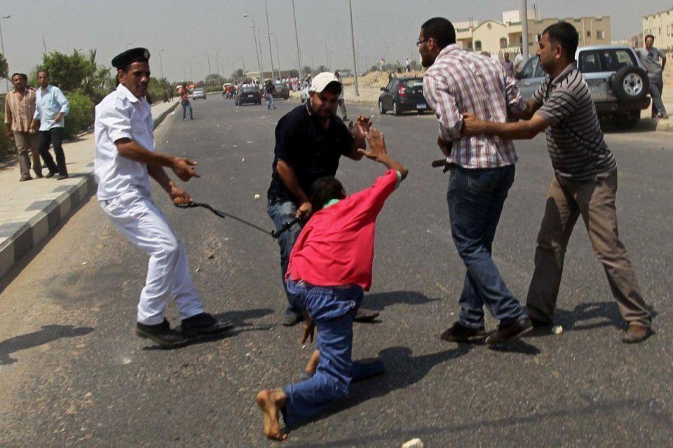 Mubarak's second court hearing held amid chaotic scenes