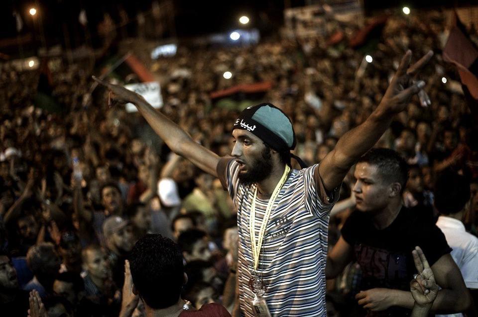 """Zero hour"" for Gaddafi as Tripoli rises up"