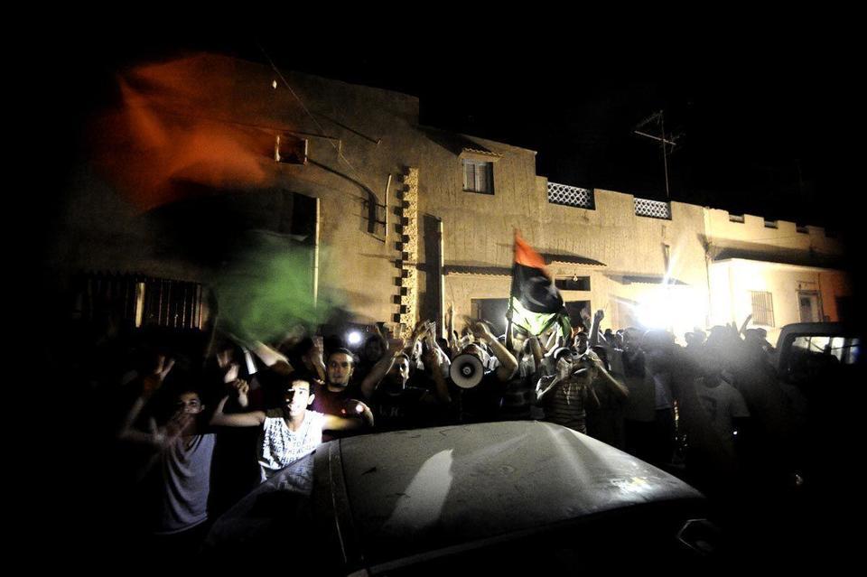 Son seeks to boost Gaddafi's Tripoli fightback