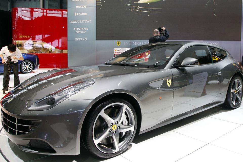 Ferraris zoom at record $167m sale as others stall