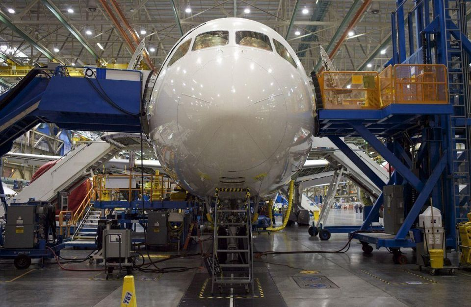 Boeing debuts long-awaited 787 Dreamliner after three-year delay