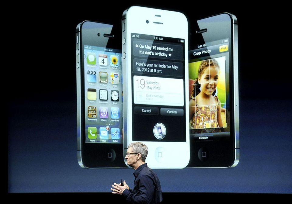 Apple says iPhone 4S pre-orders top million in a day