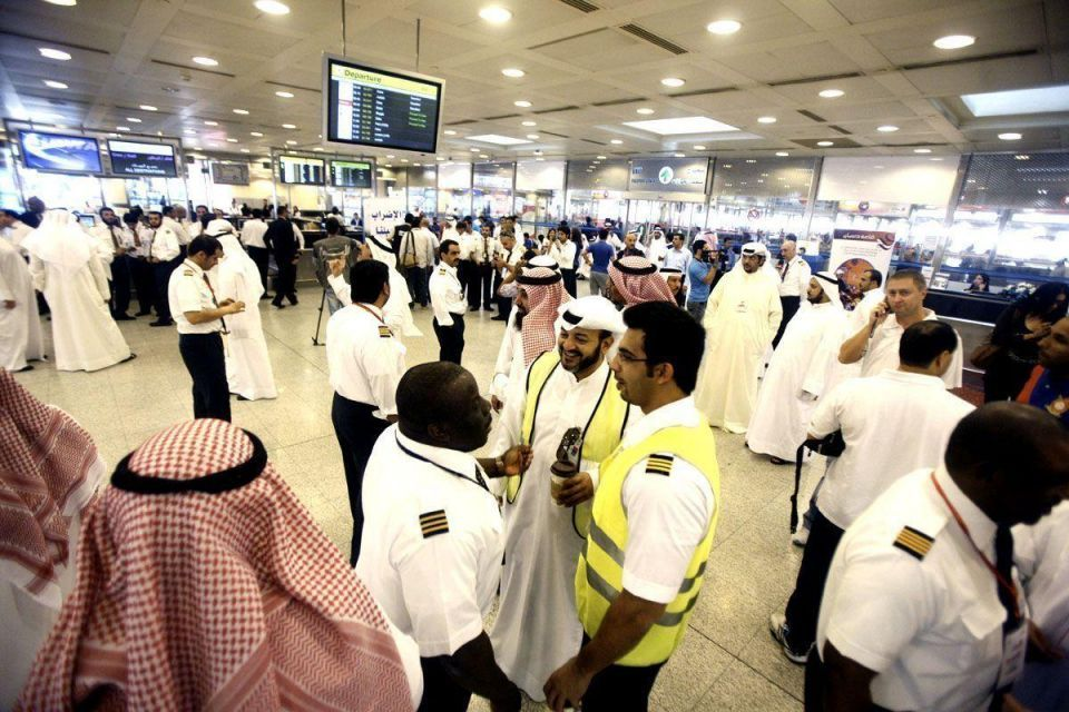 Kuwait confirms new pay deals as strikes continue