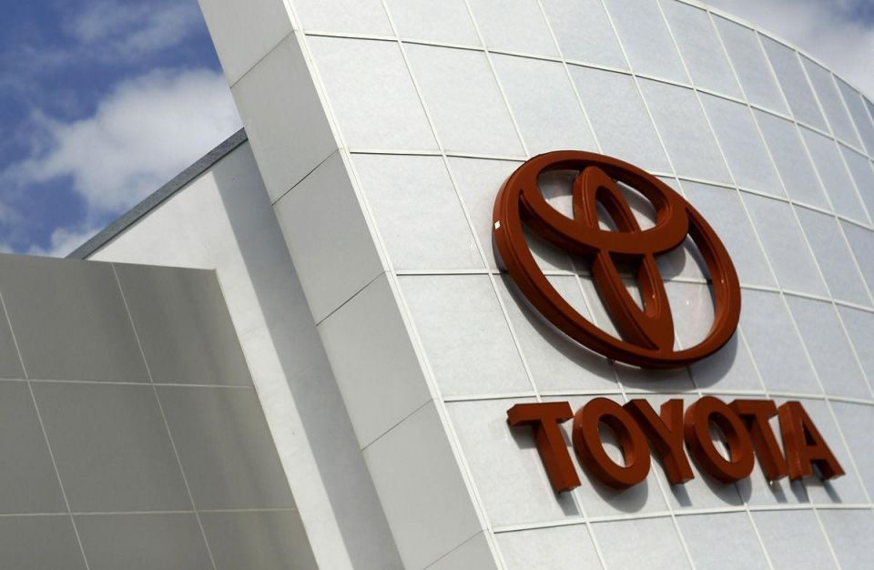 Video: Toyota recalls 5.8 m cars over airbag safety