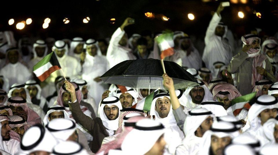 Kuwait orders arrest of 45 anti-gov't protesters