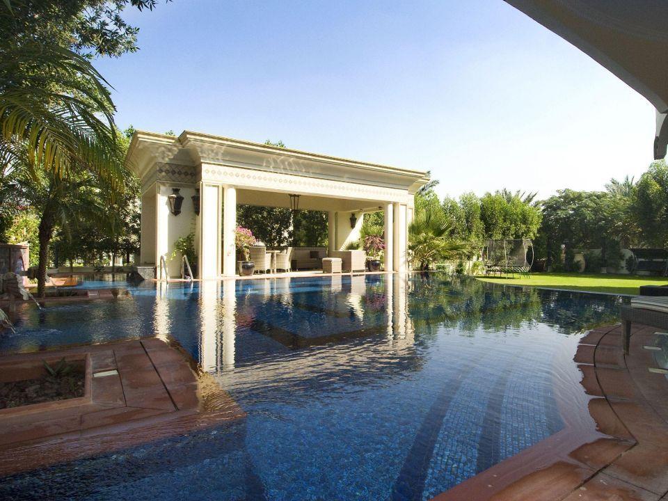 Dubai's luxury real estate thrives among upheaval