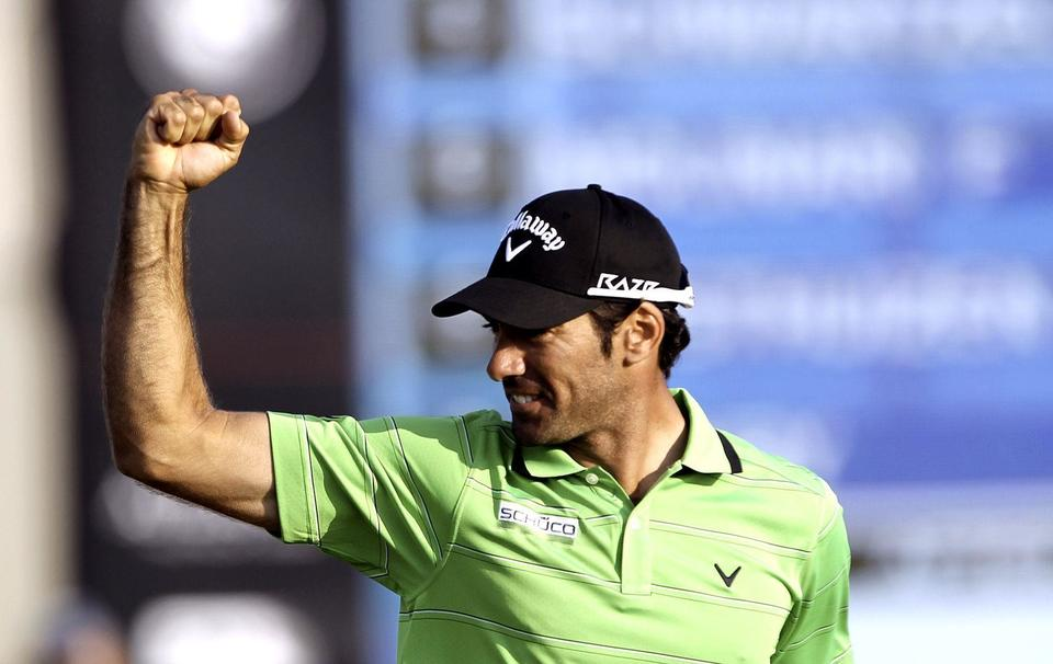 Twin Dubai glory for Donald and Quiros