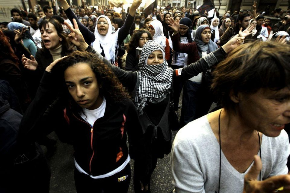 Egyptian women take to the streets against army abuse