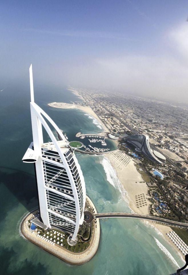 Burj al Arab to stage $2,722 helipad dinner