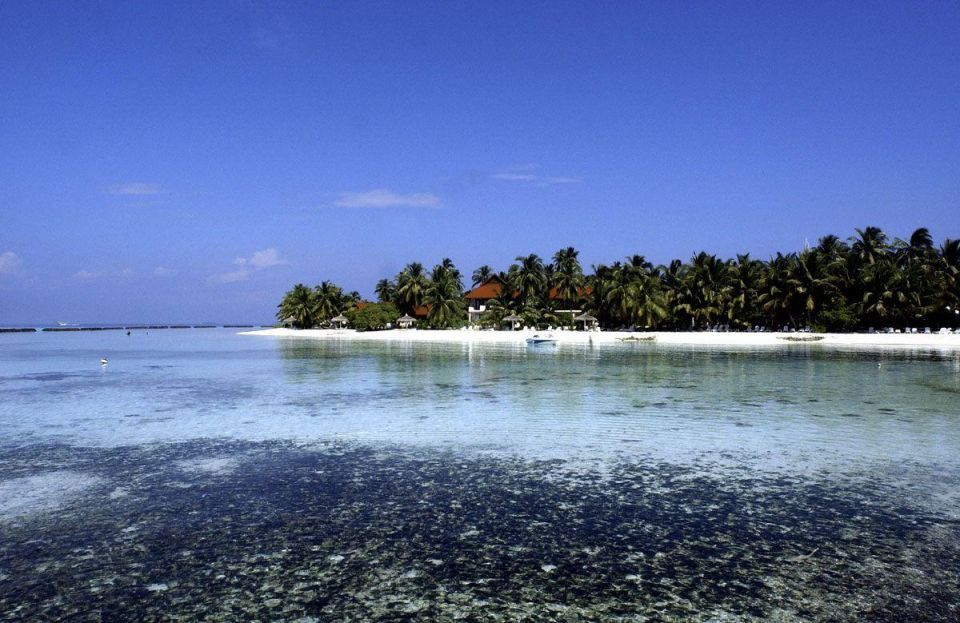 Maldives luxury resorts face spa ban after Muslim protest