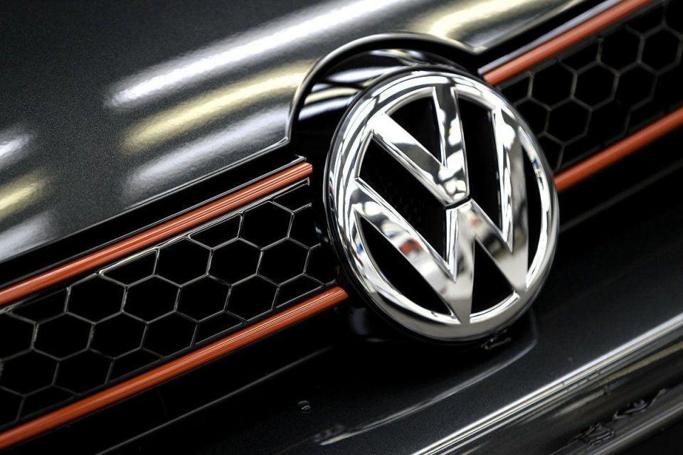 Video: Australia delivers another dent to VW