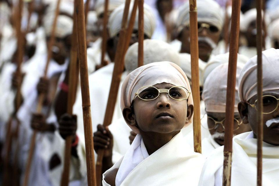 Indian boys aim for world record as Gandhi lookalikes