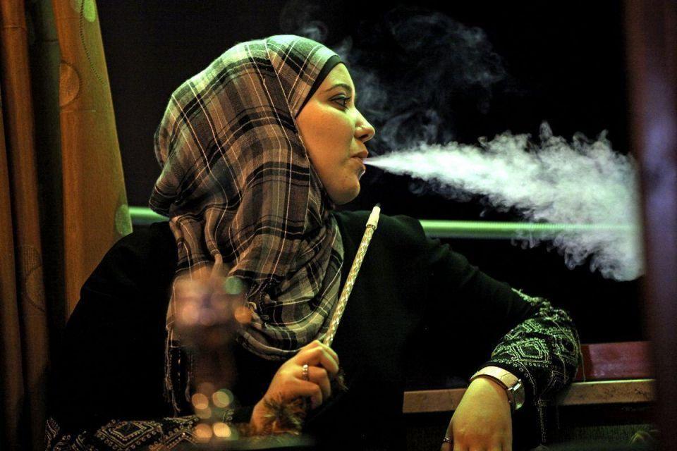 Dubai Marina residents protest against shisha smokers