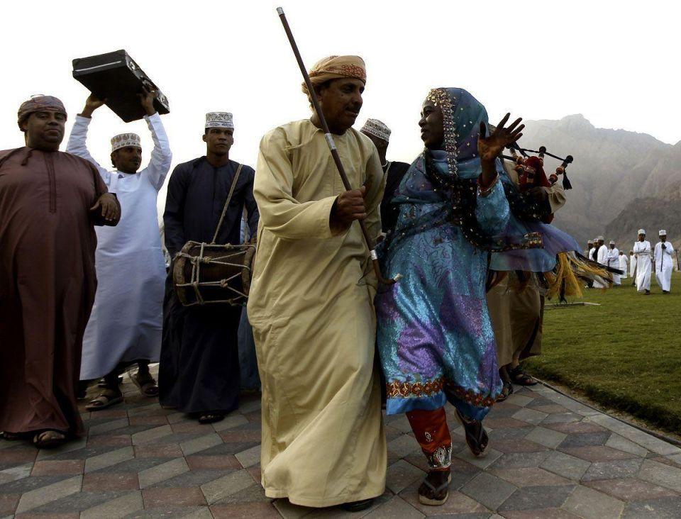 "Lavish weddings ""waste of money"" - Oman Grand Mufti"