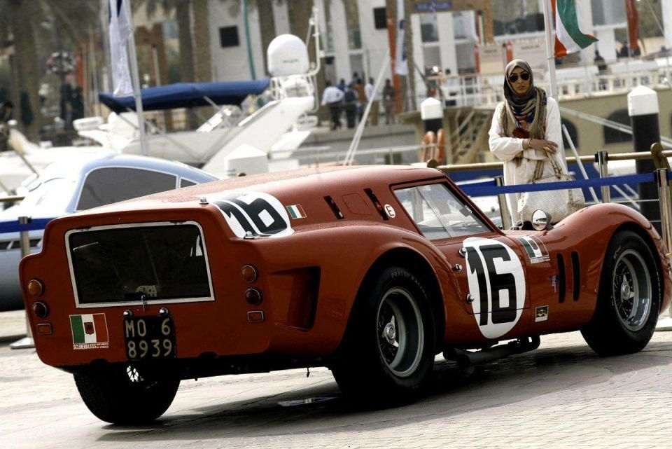 Vintage and classic car rally in Kuwait City