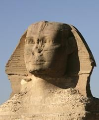 Egypt tourism rises in 2012, still below pre-revolt level