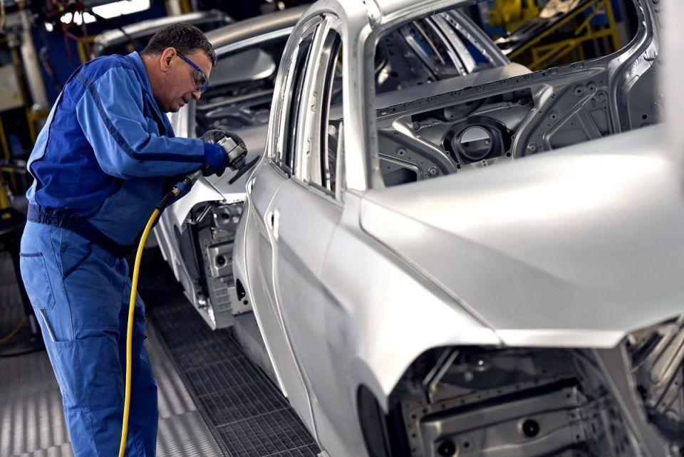 BMW to recall 15,000 faulty cars in MidEast