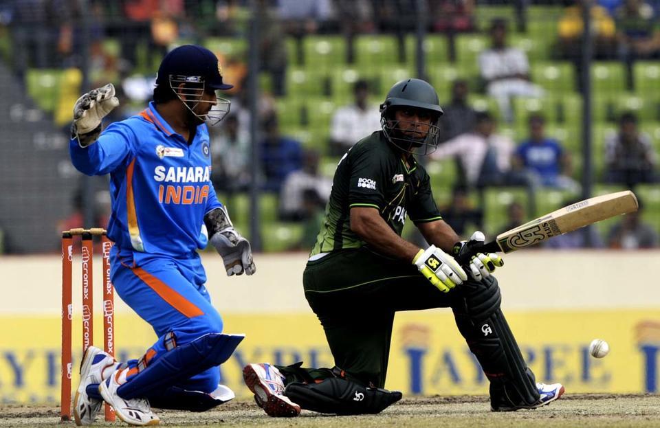Pakistan batsman Nasir Jamshed pleads guilty in cricket bribery case