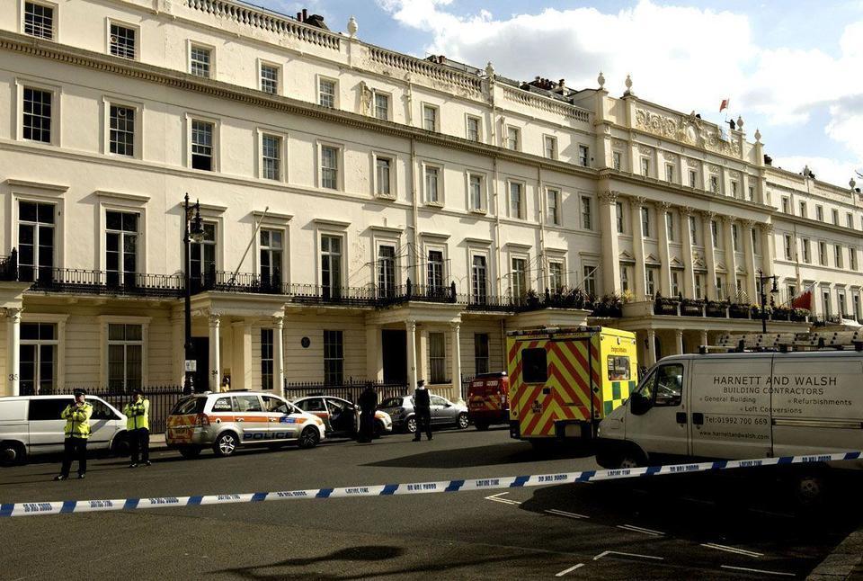 Bahrain protestors on roof of London embassy