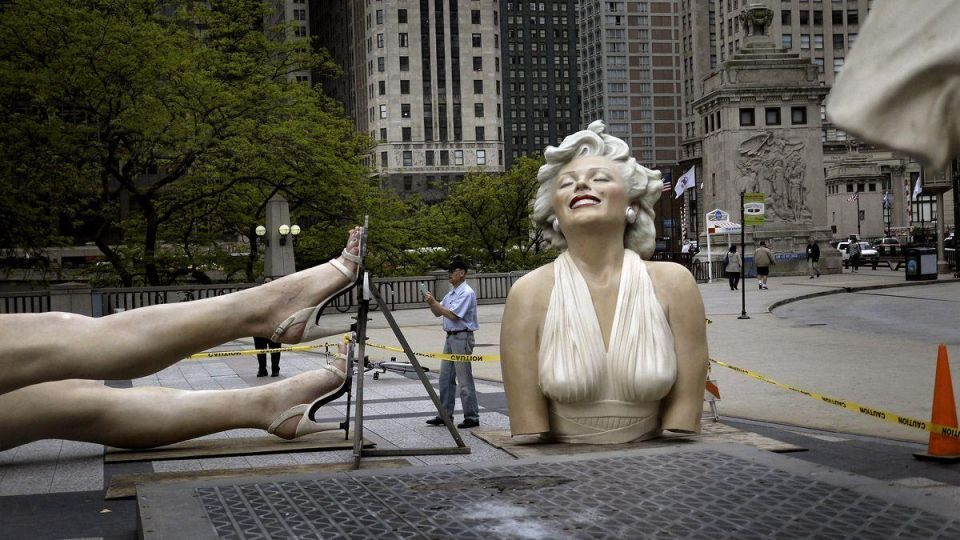 Image result for statue of marilyn monroe in chicago