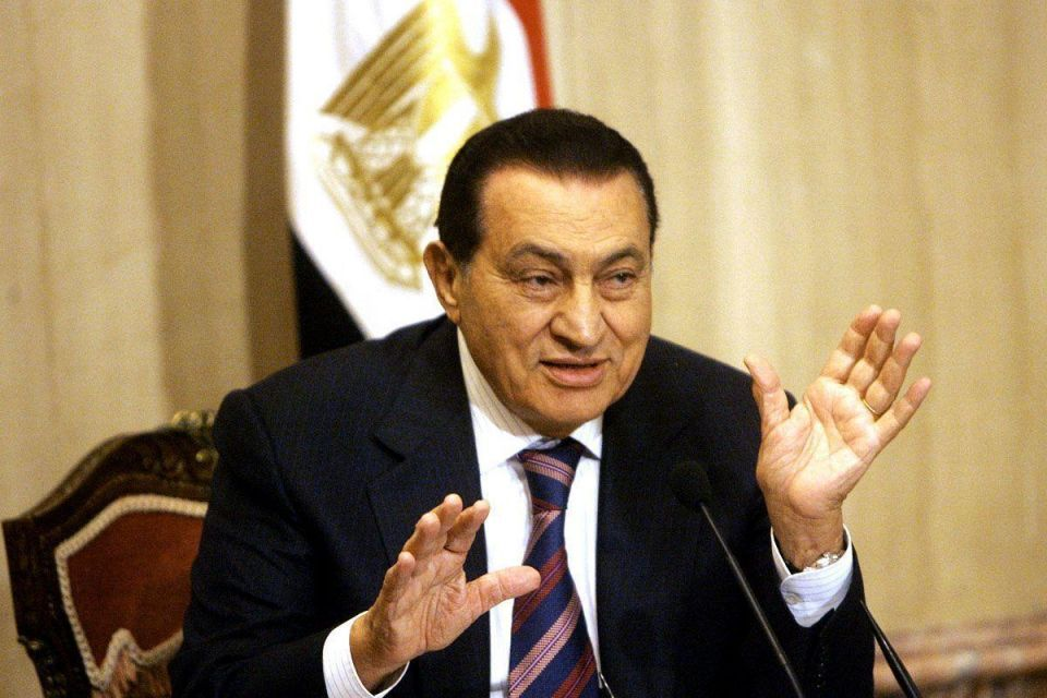 Egypt's Mubarak back in prison from army hospital