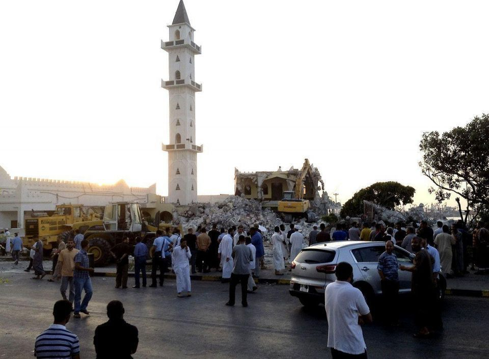 Sufi mosque bull-dozed by hard-liners in Libya