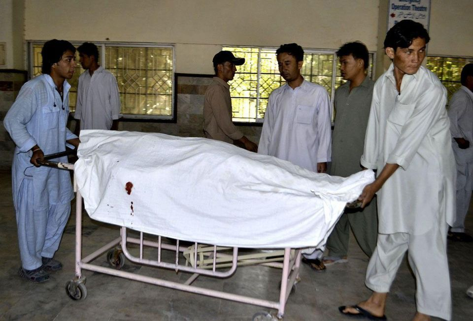 Shi'ite Muslims killed in drive-by shooting in Pakistan