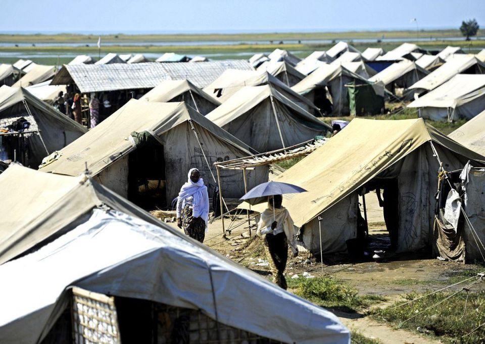 Myanmar's Muslims flee ethnic violence