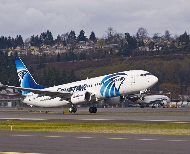 Update: EgyptAir hijacker surrenders to authorities