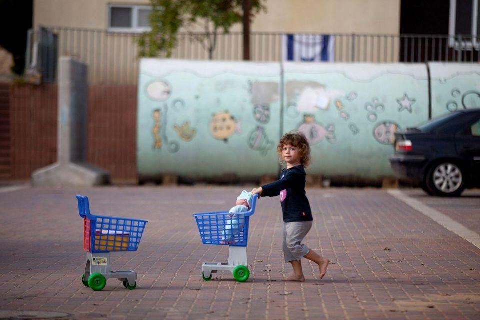 Normal life returns to Israeli towns on Gaza border