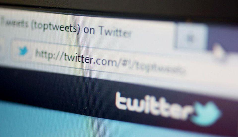 Mobile uptake to help Twitter hit $1bn revenue