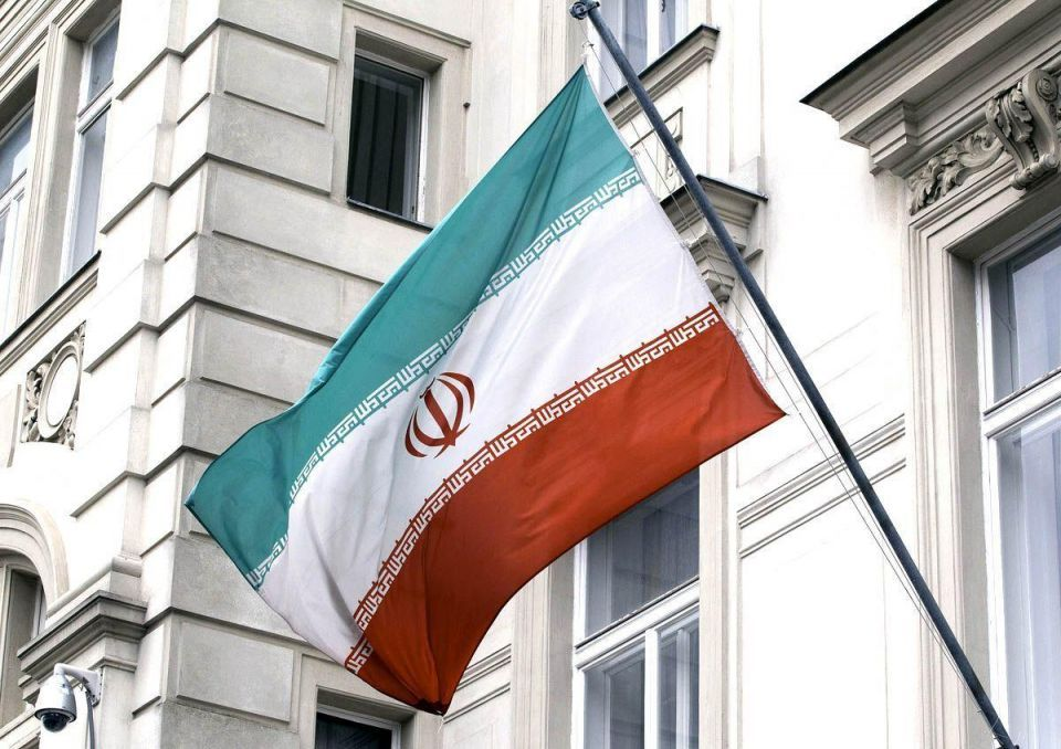 Iran signals tough stance in oil producers' talks