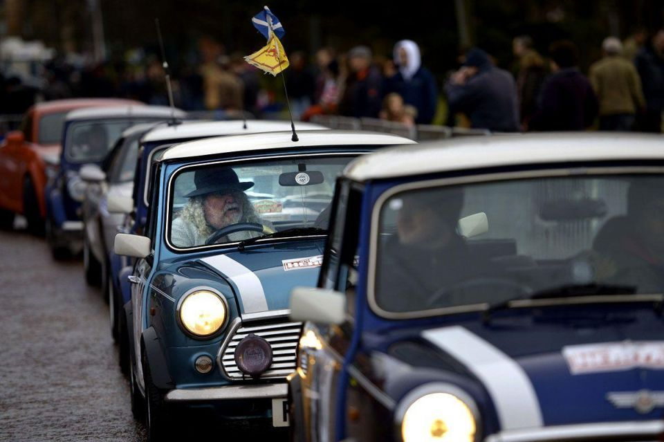 Classic cars start the Monte Carlo rally from Scotland